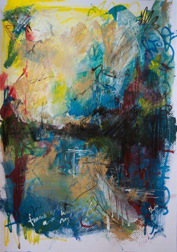 """Ein abstraktes Gemälde, das einen leuchtend gelben Himmel über einer Wasserfläche zeigt. Unten ist zu lesen: """"Trans Rights Are Human Rights"""". Schriftzeichen zersetzen den Himmel."""